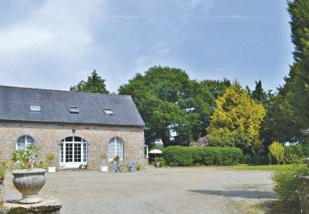 Villa in Gouesnach, France