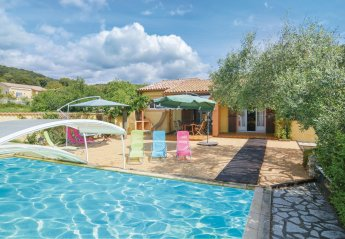 Villa in Saint-Julien-les-Rosiers, the South of France