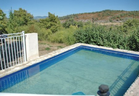 Villa in Monieux, the South of France