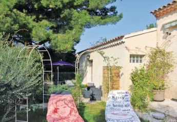 Villa in Châteauneuf-de-Gadagne, the South of France