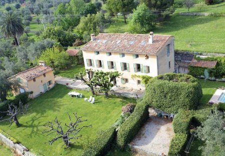 Villa in Châteauneuf-Grasse, the South of France