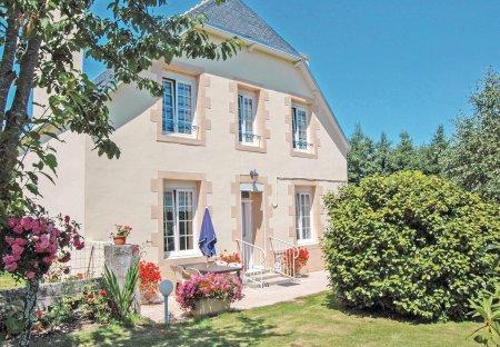 Villa in Saint-Jean-Trolimon, France