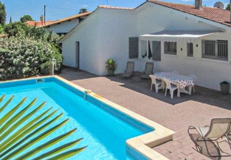 Villa in Le Porge, France