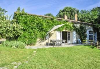 Villa in Saint-Ferme, France