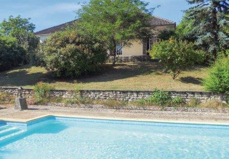 Villa in Château-l'Évêque, France: