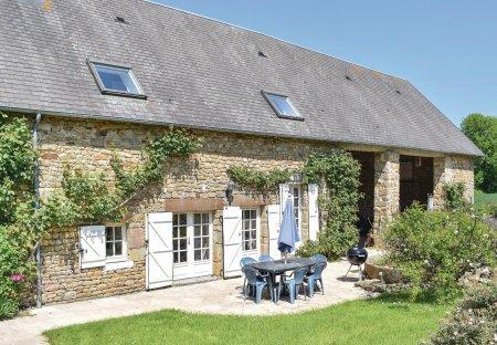 Villa in Saint-Pierre-Langers, France