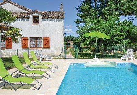 Villa in Montlauzun, the South of France