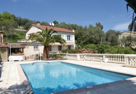 Apartment in Saint-Jean-Saint-Christophe, the South of France