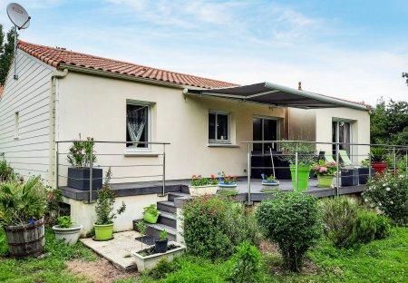 Villa in Saint-Michel-Chef-Chef, France