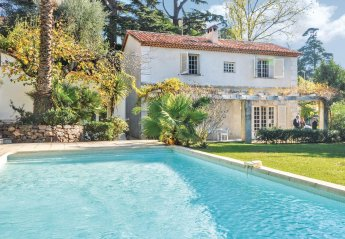 Villa in Pierre Longue, the South of France