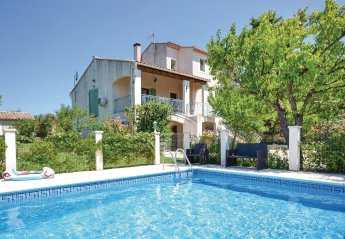 Villa in Pernes-les-Fontaines, the South of France