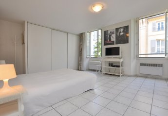 Studio Apartment in Gare de Cannes, the South of France