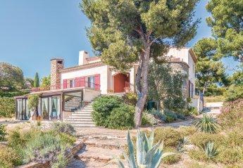 Villa in Est Reganat Destral, the South of France