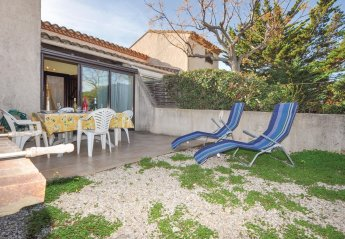 Villa in Saint-Cyprien Peripherie, the South of France: