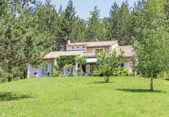 Villa in France, Garde-Colombe