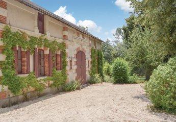 Villa in Bouère, France