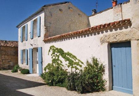Villa in Mortagne-sur-Gironde, France