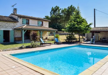 Villa in Sainte-Gemme, France: