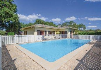 Villa in Garrosse, France