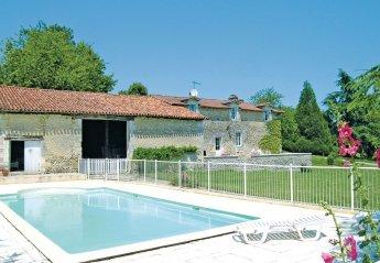 Villa in Bors-de-Montmoreau, France: