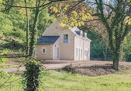 Villa in Cravant-les-Côteaux, France