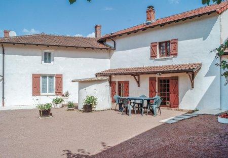Villa in Dompierre-les-Ormes, France