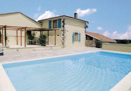 Villa in Cherves-Châtelars, France: