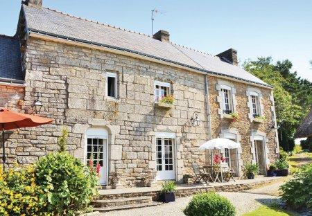 Villa in Scaër, France