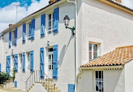 Villa in Angles, France