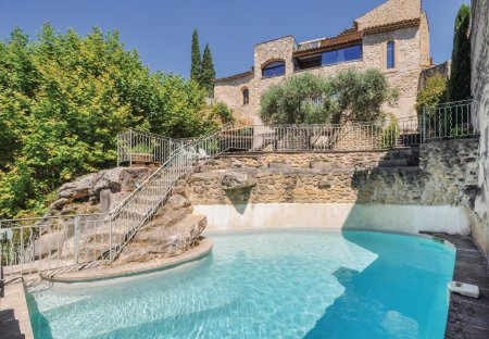 Villa in Lauris, the South of France