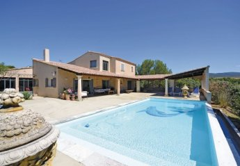 Villa in Joucas, the South of France