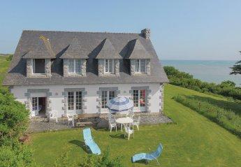 Villa in Pléboulle, France