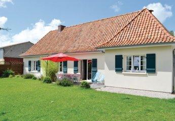 Villa in Quesques, France