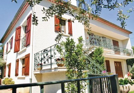 Apartment in Laudun-l'Ardoise, the South of France