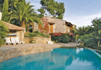 Villa in Carqueiranne, the South of France