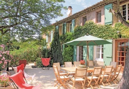 Villa in Mondragon, the South of France