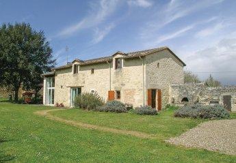 Villa in Montpeyroux, France