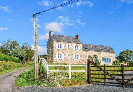 Villa in Crasville, France