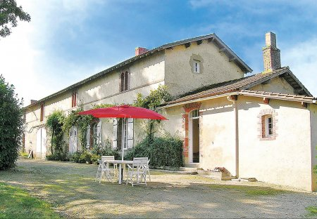 Villa in La Chapelle-Hermier, France: