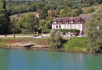 Villa in Jaulgonne, France
