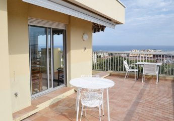 Apartment in Lanterne-Mandariniers, the South of France