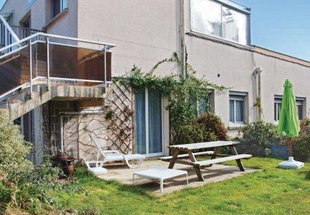 Apartment in Perros-Guirec Nord Est, France