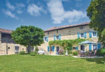 Villa in Suaux, France