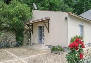 Villa in Saint-Sauvant, France