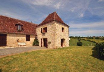 Villa in La Chapelle-Saint-Jean, France