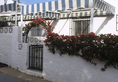House in Urbanización los Claveles I y II, Spain