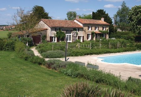 Villa in Genouillé, France: OLYMPUS DIGITAL CAMERA