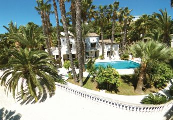 Villa in Village-Saint Julien-Saint Pierre, the South of France: {