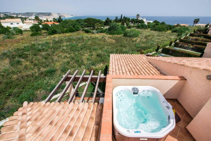 Apartment In Portugal, Cerro Lamy. Private Roof Terrace With Jacuzzi ...