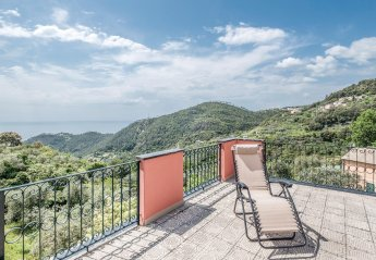 Apartment in Bonassola, Italy